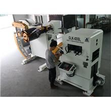 2014 più caldo e più nuovo alimentatore +straightener +decoiler, modello: glk3 #industrialdesign #industrialmachinery #sheetmetalworkers #precisionmetalworking #sheetmetalstamping #mechanicalengineer #engineeringindustries #electricandelectronics