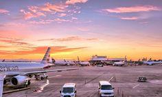 Moguće je uštedeti mnogo novca ukoliko kartu za planirani avionski let rezervišete na vreme. To podrazumeva da se mesto na letu mora rezervisati tačno određenog dana u nedelji, u određeno vreme, ali i mnogo unapred. #aviokarte