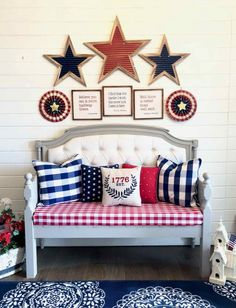 How to Decorate with an Americana Theme Fourth Of July Decor, Happy Fourth Of July, 4th Of July Decorations, July 4th, Patriotic Room, Patriotic Party, Patriotic Crafts, Summer Design, Porch Decorating