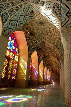 Nasir Al Molk Masjid, Shiraz, Iran. Islamic Architecture, Beautiful Architecture, Architecture Details, Shiraz Iran, Iran Travel, Place Of Worship, Art Plastique, Islamic Art, Beautiful Gardens
