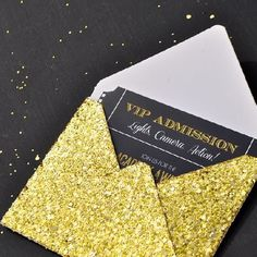 Print these free Oscar ticket invitations for your Oscars party + DIY gold glitter envelope!