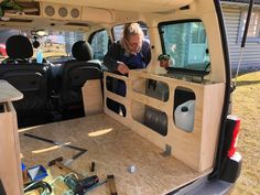 Van Conversion For Family, Berlingo Camper, Rental Vans, Diy Caravan, Minivan Camper Conversion, Custom Mercedes, Minivan Camping, Vw Camper, Campers