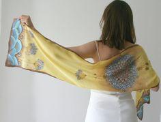 Foulard en soie miel jaune bleu brun couleurs floral par SilkHome