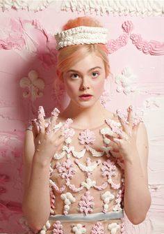 Menina cor de rosa.
