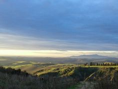 View from #horse riding holiday centre in#Tuscany La Fiaba in winter such a beautiful sky http://la-fiaba.com