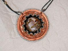 pendentif saumon ,noir en capsules café et perle de verres filée http://www.alittlemarket.com/boutique/magie_encapsulee-803147.html