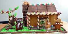 Australian themed gingerbread house- might pinch one or two ideas from this one Aussie Christmas, Australian Christmas, Summer Christmas, Merry Little Christmas, Xmas, Christmas Foods, Diy Christmas, Gingerbread House Designs, Gingerbread Houses