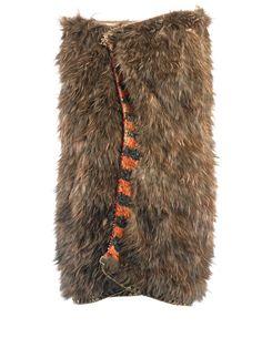 Kahu kiwi (kiwi feather cloak) named Piata Maori Designs, Maori Art, Cloak, Kiwi, Feather, Weaving, Collections, Hair Styles, Beauty