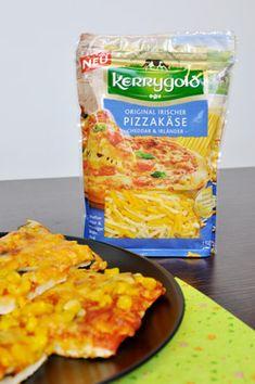 Herzhafter Cheddar und mild-nussiger Irländer kommen beim Kerrygold Original Irischem Pizzakäse in einer Tüte zusammen, um Pizzafans dahinschmelzen zu lassen.