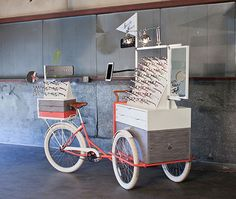 cutest thing ever:: a pop up shop on a bike. substitute glasses for treats + paper!