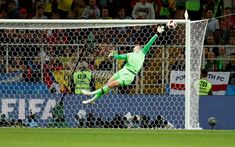 Jordan Pickford makes wonder save and sticks two fingers up at his critics Football Troll, Football Soccer, Football Players, World Cup 2018, Fifa World Cup, Goalkeeper Training, Jamie Vardy, England Players, Soccer Motivation