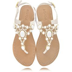 MYSTIQUE White Beads Thong Sandals ($145) ❤ liked on Polyvore featuring shoes, sandals, flats, sapatos, zapatos, beaded sandals, white sandals, white thong sandals, strappy sandals and white flats