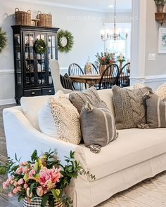 Cottage Living Rooms, Home And Living, Living Room Furniture, Living Room Decor, Dining Rooms, Living Dining Combo, Living Area, Living Spaces, Cozy Living