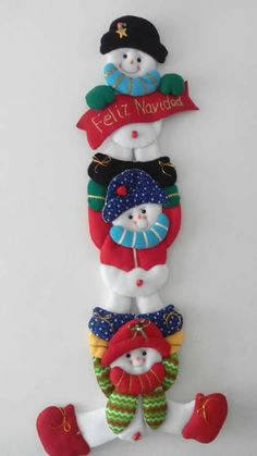 Best 12 Christmas Arts And Christmas Arts And Crafts, Felt Christmas Decorations, Decorating With Christmas Lights, Snowman Decorations, Felt Christmas Ornaments, Snowman Crafts, Christmas Projects, Christmas Stockings, Christmas Diy