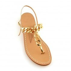 I always pick up a new pair of Canfora sandals every time I step a foot on the island of Capri.