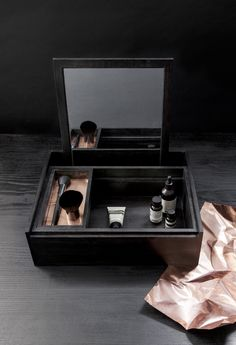 Beautiful and elegant Makeup Box from Nomess Copenhagen. Balsabox Personal is the ultimate thing for any woman. It is the box where you can have everythi…