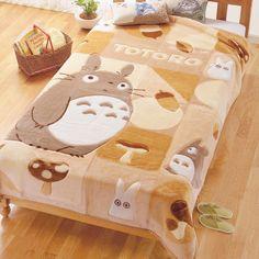 I have a Totoro blanket and it feels like heaven. No joke OuO so soft and fluffy and it HAS TOTORO Otaku Room, Kawaii Room, My Neighbor Totoro, Hayao Miyazaki, My New Room, Bed Covers, Room Inspiration, Nerdy, Kids Room