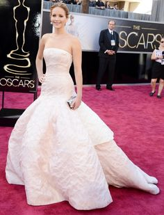 Jennifer Lawrence - 2013 Oscars - Dior Haute Couture