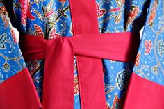 Kimono robe. Tropical morning glamour.