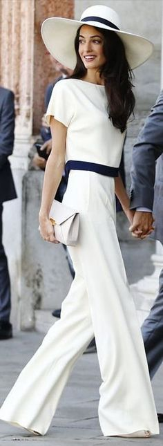 What to wear to horse racing? Amal Clooney's pantsuit would work wonderfully. I'd add some tonal flower details to the hat. | www.bold-in-gold.com  #boldingoldblog