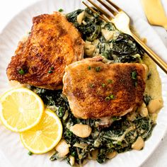 A no-fuss dinner that everyone will love, this one-pan oven-baked chicken thigh dish is the perfect way to celebrate Spring. Bone-in chicken thighs are given a spice-rub and then baked up together with some spring greens and white beans before being tossed with lemon and greek yogurt for the perfect creamy citrus sauce. Pan Seared Chicken, Oven Baked Chicken, Crispy Chicken, Easy Lettuce Wraps, Lexi's Clean Kitchen, Organic Chicken, Chicken Thigh Recipes, Chicken Thighs, Chicken Breasts