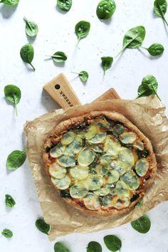 Grov surdejspizza med spinat og kartofler - nordisk pizza