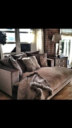 Would be great in the master bedroom Home Living Room, Apartment Living, Living Room Designs, Living Room Furniture, Home Furniture, Living Room Decor, Living Spaces, Bedroom Decor, Master Bedroom
