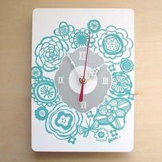 aqua bouquet clock