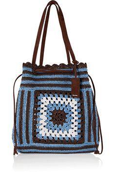 to Carry Around Coachella Bags to Carry Around Coachella - Adriana Lima: Maxi bolsa em barbante Daily Useful and Cool Crochet Bag Pattern Ideas Part 1 긴 추석연휴 잘 보내고 계신가요 ~? 전 친정집에서 엄마가 해주는 밥먹으며 뒹굴뒹굴 굴러다니는 중. Crotchet Bags, Crochet Tote, Crochet Handbags, Crochet Purses, Knitted Bags, Crochet Shell Stitch, Bead Crochet, Miu Miu Handbags, Purses And Handbags