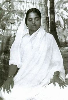 Click To Discover The Meaning Of Your Life-Number, beautiful Amma - I love how she looks so young in this photo :)