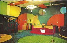 Peppermint Studios 1970's color scheme - groovy!