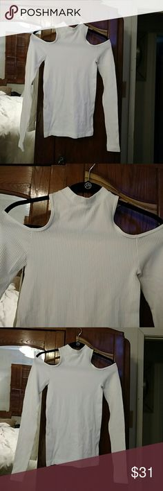 Sexy white ribbed off shoulder shirt Sexy ribbed white shirt, cut out shoulders size small Nophat  Tops