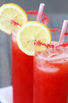 Sparkling Strawberry Lemonade | gimmesomeoven.com