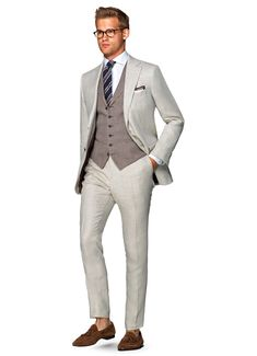 Suitsupply Suits: Soft-shoulders, great construction with a slim fit—our tailored, washed and formal suits are ideal for any situation. Brown Suits, White Suits, Business Casual Attire, Business Outfit, Formal Suits, Men Formal, Mens Fashion Suits, Mens Suits, Men's Fashion