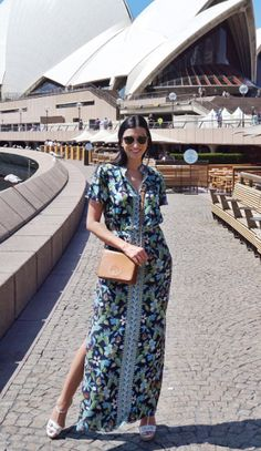 Shereen Mitwalli wearing the Tory Burch Silk Dolman-Sleeve Caftan #ToryTunic