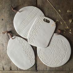 Image of Planche en porcelaine motif dentelle