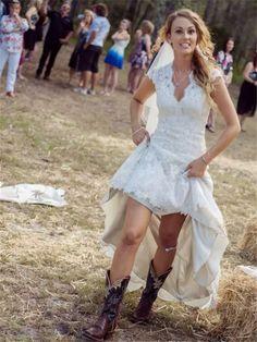 Funky Wedding Dresses, Wedding Dress Types, Outdoor Wedding Dress, Sheath Wedding Gown, Lace Beach Wedding Dress, Bridal Dresses, Lace Wedding, Dresser, Types Of Dresses