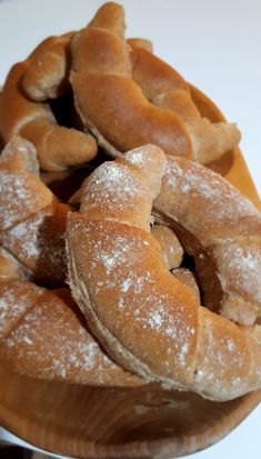 Focaccia Pizza, Salty Snacks, Ciabatta, Winter Food, Bon Appetit, Bagel, Food Inspiration, Rolls, Food And Drink
