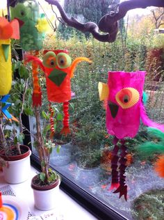 Laternen – schräge Vögel aus PET Flaschen – Knutselen ideeën Lanterns weird birds from PET bottles Lanterns weird birds from PET bottles # oblique The post lanterns oblique V Kids Crafts, Weird Birds, Pet Bottle, Frame Crafts, Little Pets, Recycled Crafts, Bottle Crafts, Craft Activities, Animals For Kids