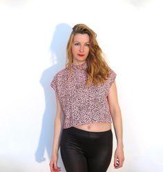 Crop Top «Pink Leo» T-Shirt Boxy Shirt  Apricot von simka // made in berlin auf DaWanda.com