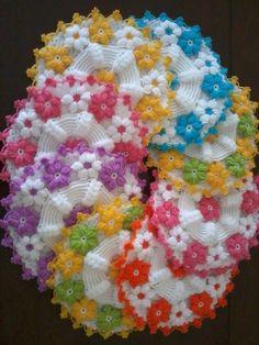 Çiçekli renkli örgü lif modeli