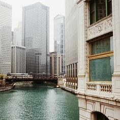 chicago river by Ludvig Stolterman