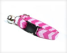 Cat Collar - Pretty in Pink - Chevron Pattern in Two-Toned Berry Pink