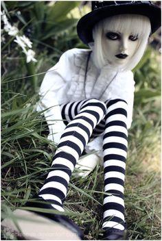 bjd……Just like my Casey Vladimir Kush, Carl Larsson, Thomas Kinkade, Beatrix Potter, Ooak Dolls, Blythe Dolls, Barbie, Claude Monet, Kawaii