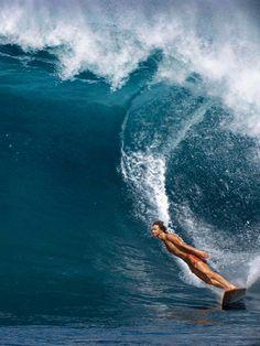 surfsouthafrica:Mark Richards. The free ride era. Hawaii.Photo: Dan Merkel