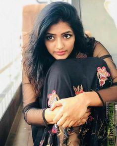 Wedding Couple Poses Photography, Teenage Girl Photography, Photography Poses Women, Cute Beauty, Beauty Full Girl, Beautiful Girl Indian, Beautiful Indian Actress, Indian Photoshoot, Thing 1