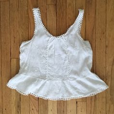 White Boho Crop Top White Boho Crop Top with floral accents and unique trim. Perfect for festival season! Tops Crop Tops