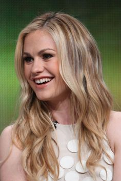 How to creates movement and shine Anna Paquin's casual but polished style! #TrueBlood