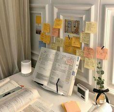 Study Desk, Study Space, Deco Studio, Study Room Decor, Study Corner, Study Organization, School Study Tips, Study Areas, Aesthetic Room Decor