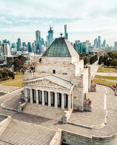 "Melbourne Explorer on Instagram: ""Shrine // Melbourne's Shrine of Remembrance with the city looking on. 📷: @teelcee"" Priscilla Barnes, Lest We Forget, Melbourne, New York Skyline, Skyscraper, That Look, Explore, City, Travel"